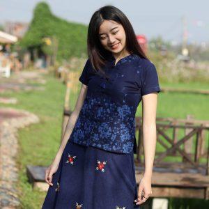 21003 เสื้อม่อฮ่อมผู้หญิง พิมพ์ลายทรงเข้ารูป กระดุมจีน ลายดอกซากุระ