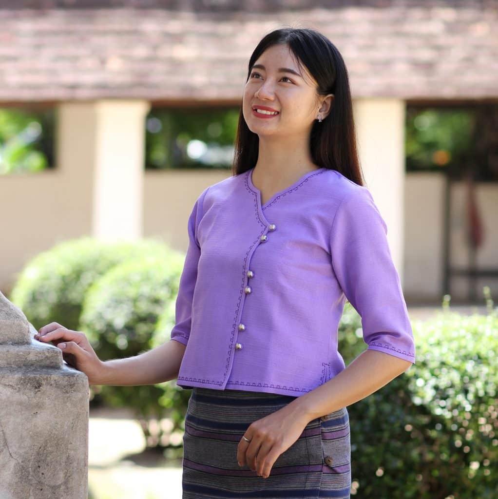 เสื้อม่วง-ผ้าฝ้าย-เสื้อไทย